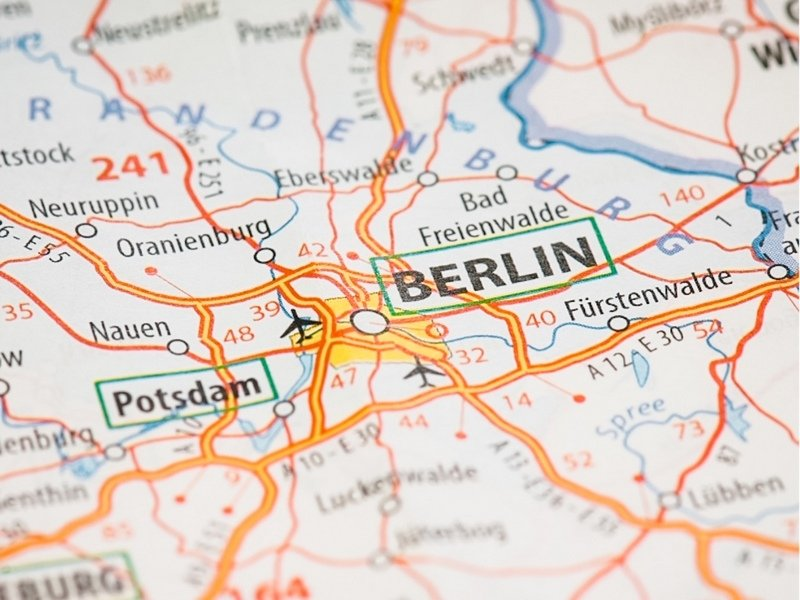Map of Berlin: Explore the best of Berlin, with this epic 2 days in Berlin itinerary and visit the iconic landmarks, experience nightlife, & go on day trips