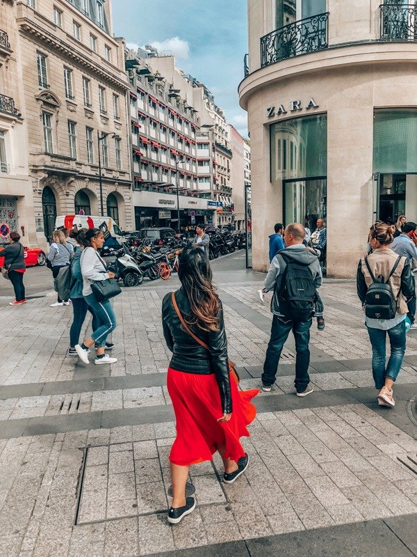 Girl in Champs Elysees Paris 2 day itinerary