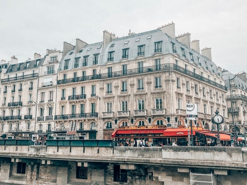 Where to stay in Paris for 2 days